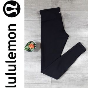 L U L U L E M O N》Black leggings